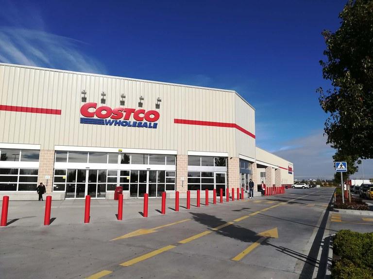 Costco Wholesale Vertraut  auf ULMA- Entwässerungsrinnen