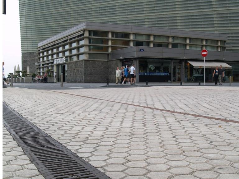 Kongresszentrum Kursaal in San Sebastian, Nordspanien, mit Entwässerungslösungen von ULMA