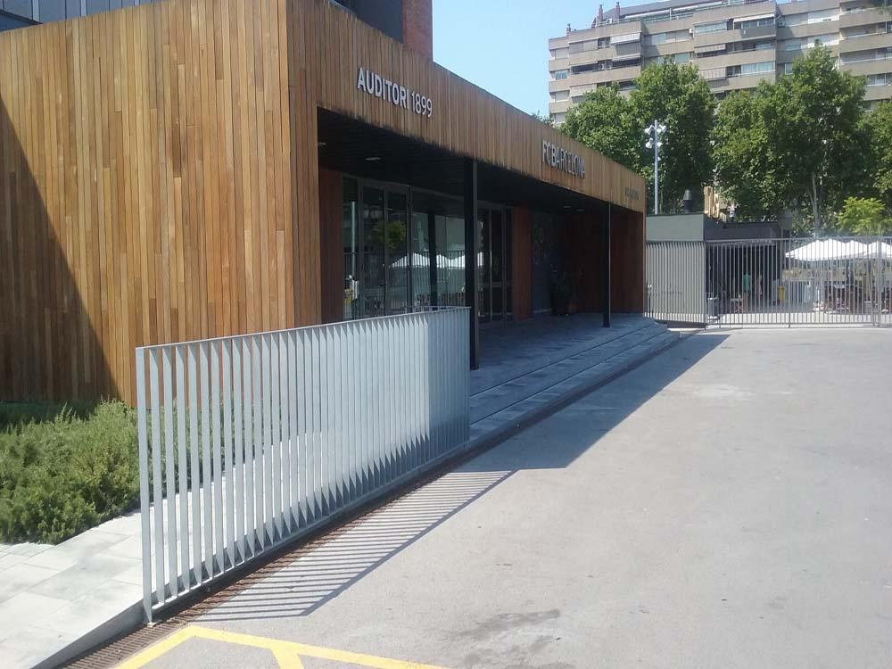 ULMA-Entwässerungsrinnen am neuen eingang des Camp Nou