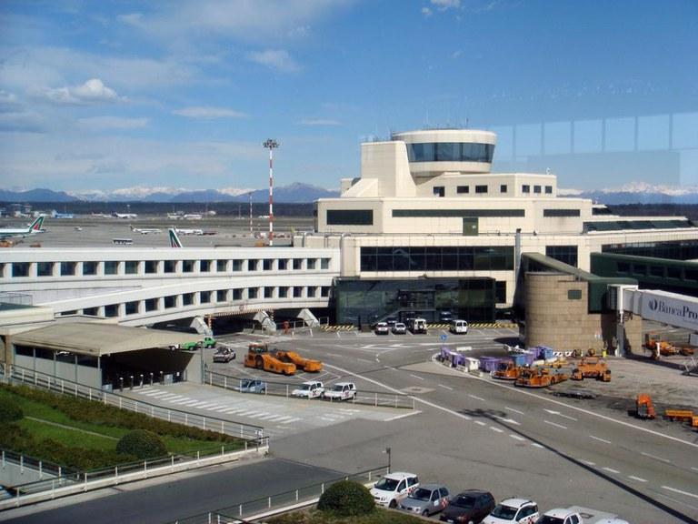 ULMA-Entwässerungsrinnen auf dem italienischen flughafen Malpensa