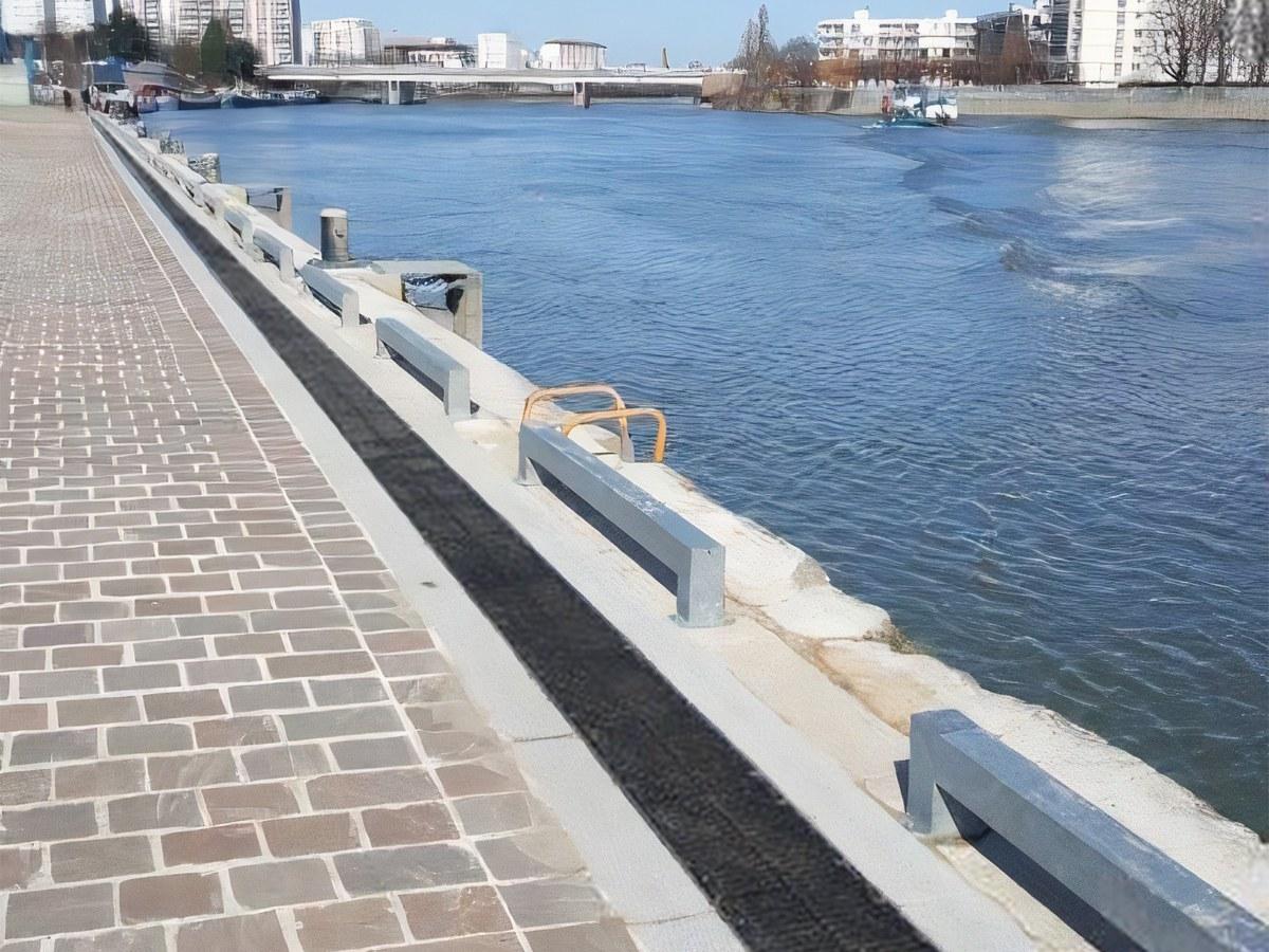 ULMA-Entwässerung im Hafen von Choisy-le-Roi, an den Ufern der Seine