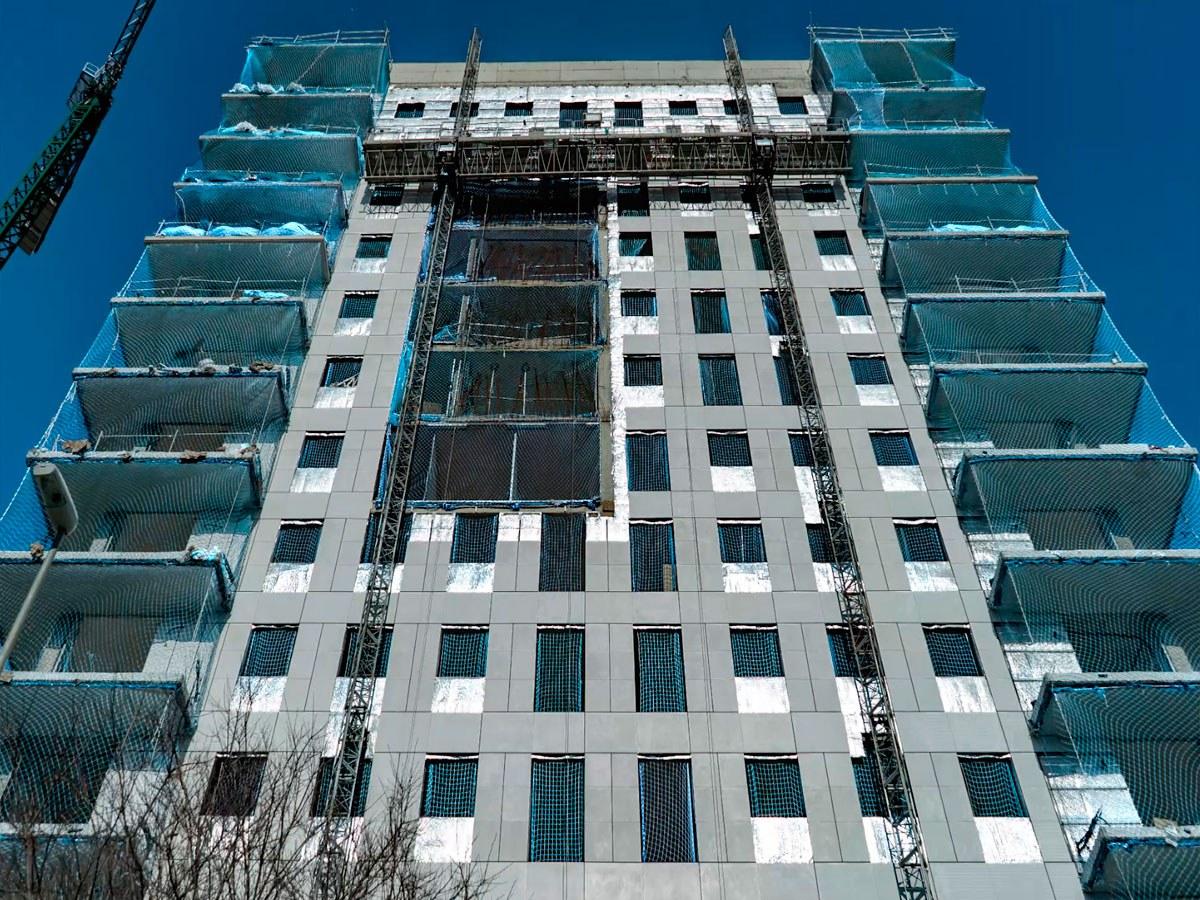 Wie man die Montagequalität einer hinterlüfteten ULMA-Fassade sicherstellt