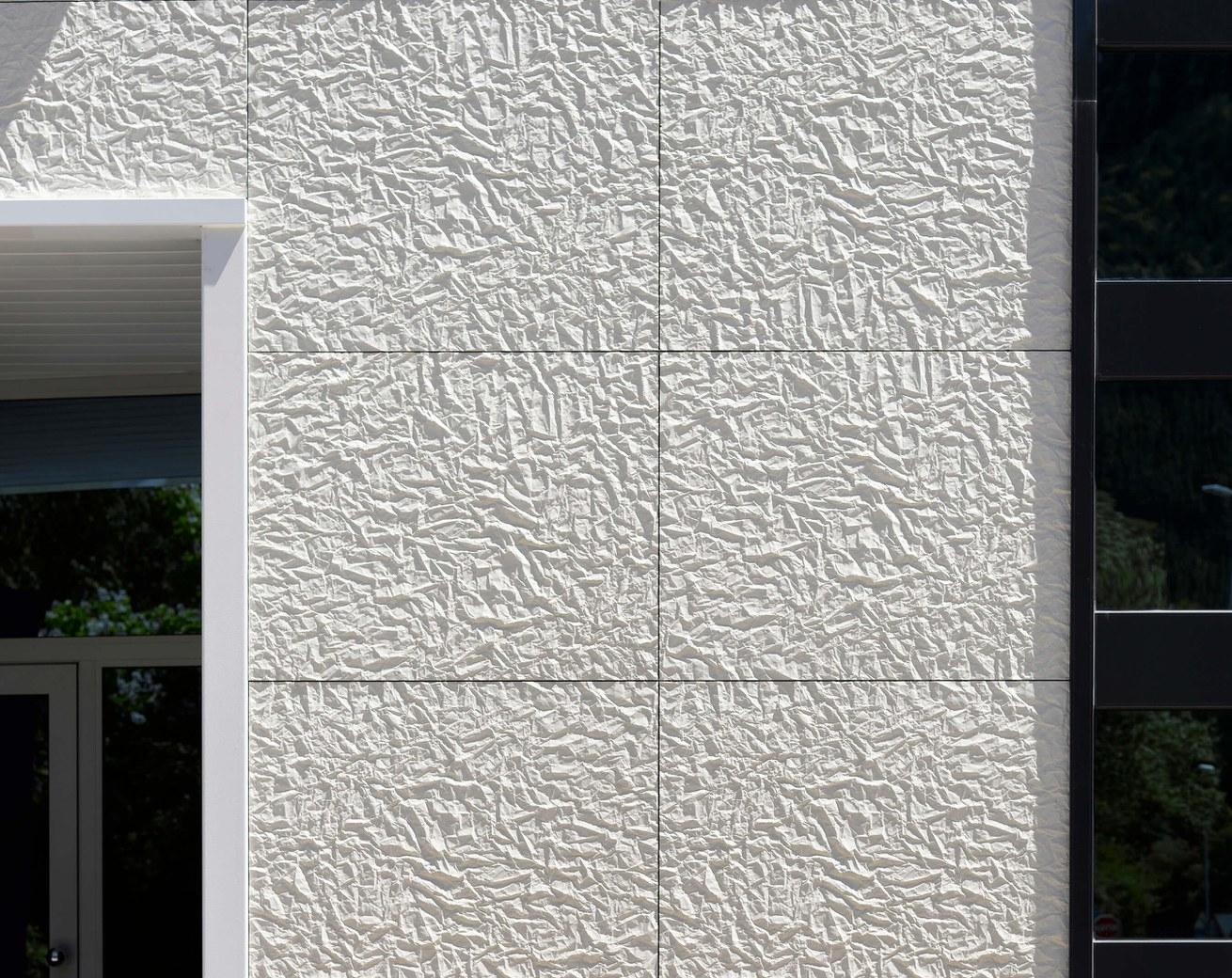 DIE ORGANISCHE FASSADE, die neue Außenhaut von ULMA Architectural Solutions