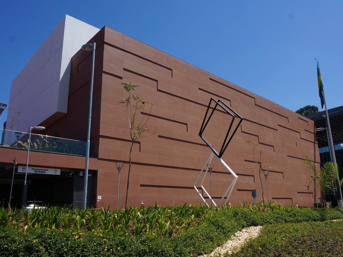 Hinterlüftete Fassade im neuen SESC-Hauptquartier (Brasilien)