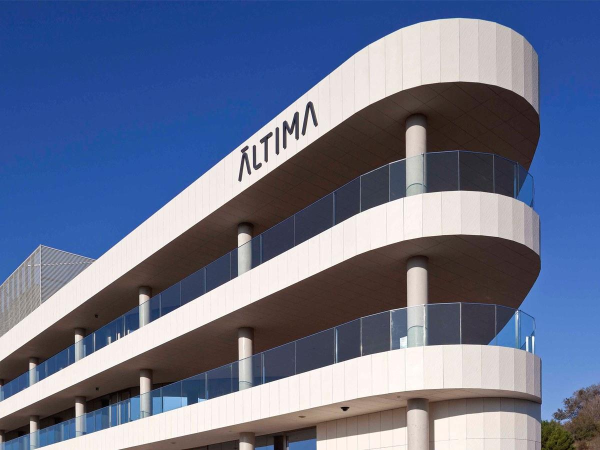 Hinterlüftete Fassade von ULMA, Leichenhalle von L'Hospitalet de Llobregat