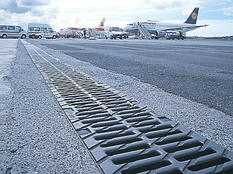 Barajas Airport in Madrid with ULMA drainage solutions
