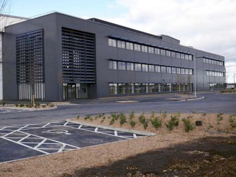 John Adams toy company choses ULMA's drainage channels for its warehouse in Alconbury, england