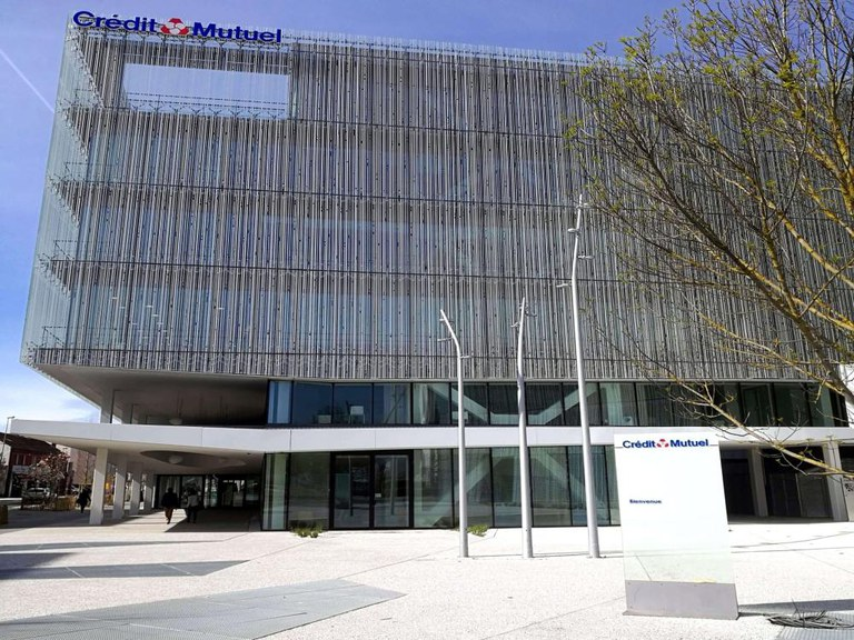 ULMA drainage channels at the new headquarters of Crédit Mutuel bank in Nantes-France