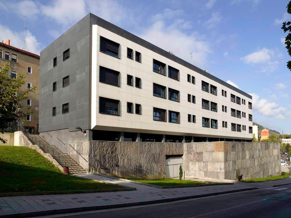 ULMA  facade  cladding system in New San Juan de Rompeolas properties