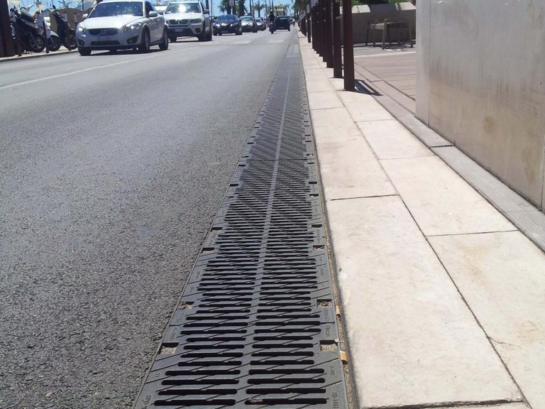 Drainage channels on the emblematic Cannes dock
