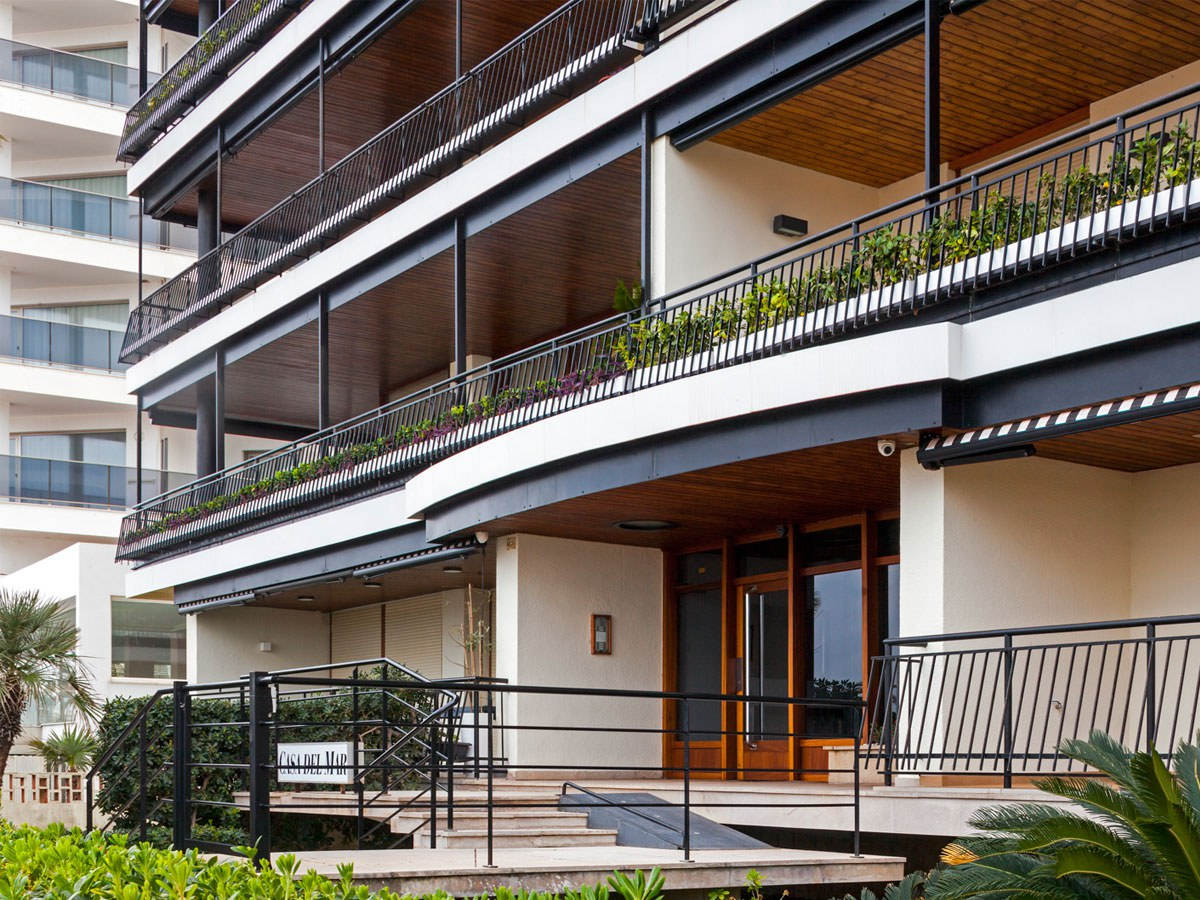 How to extend the life of facades in coastal areas