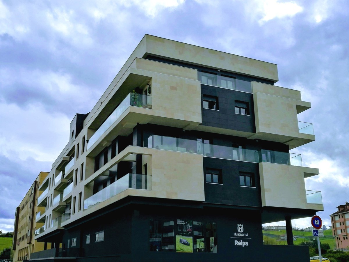 ULMA architectural precast on the Aire building in Gijon
