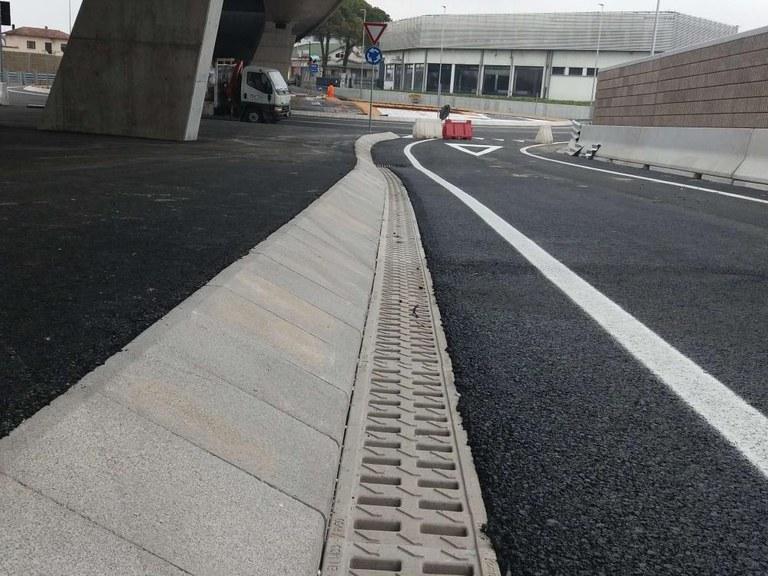 Canales KOMPAQDRAIN® en un a carretera al Norte de Italia