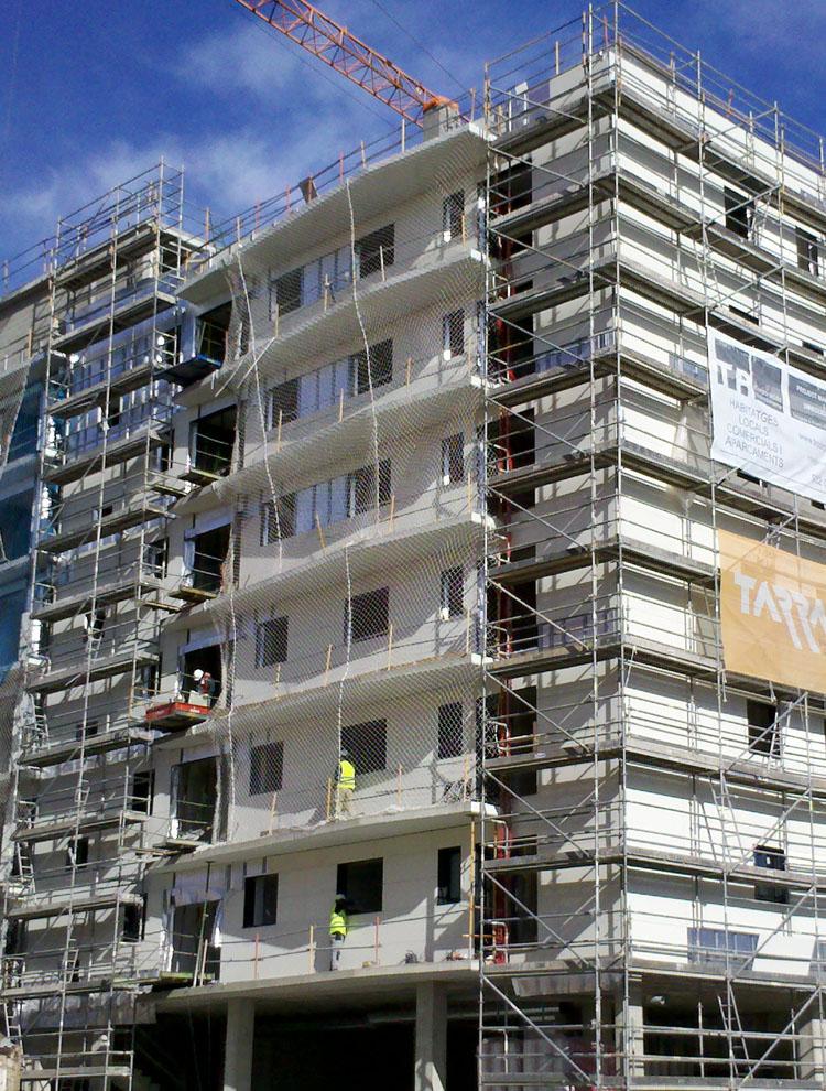 42 viviendas con cerramiento de fachadas isola de ulma - Cerramientos de fachadas ...