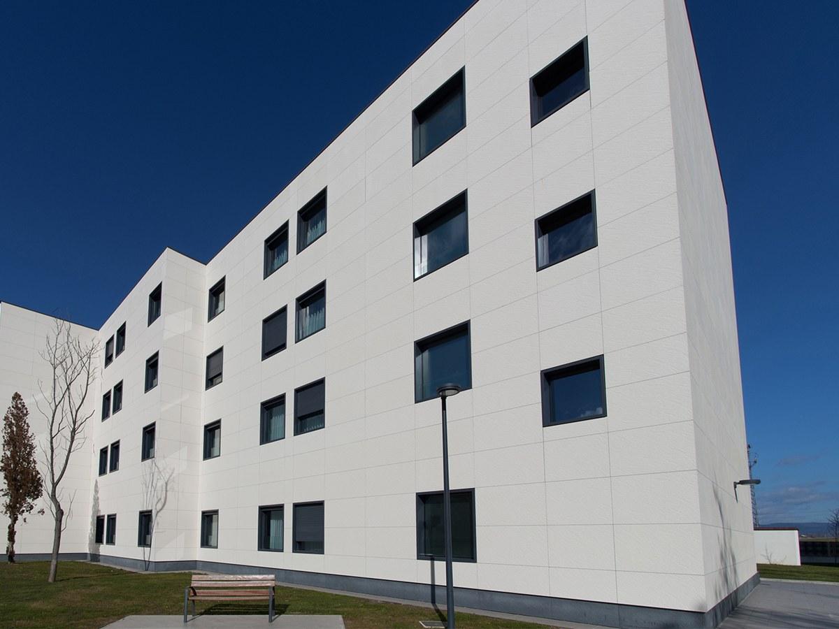 Fachada ULMA para la mayor Residencia de Álava , en Vitoria-Gasteiz