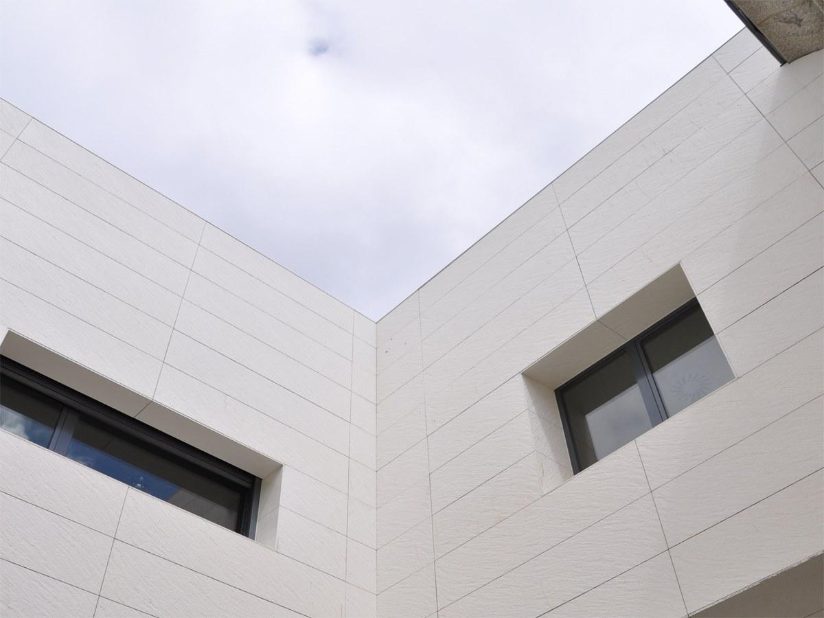 Hospital de Ávila con Textura Tierra