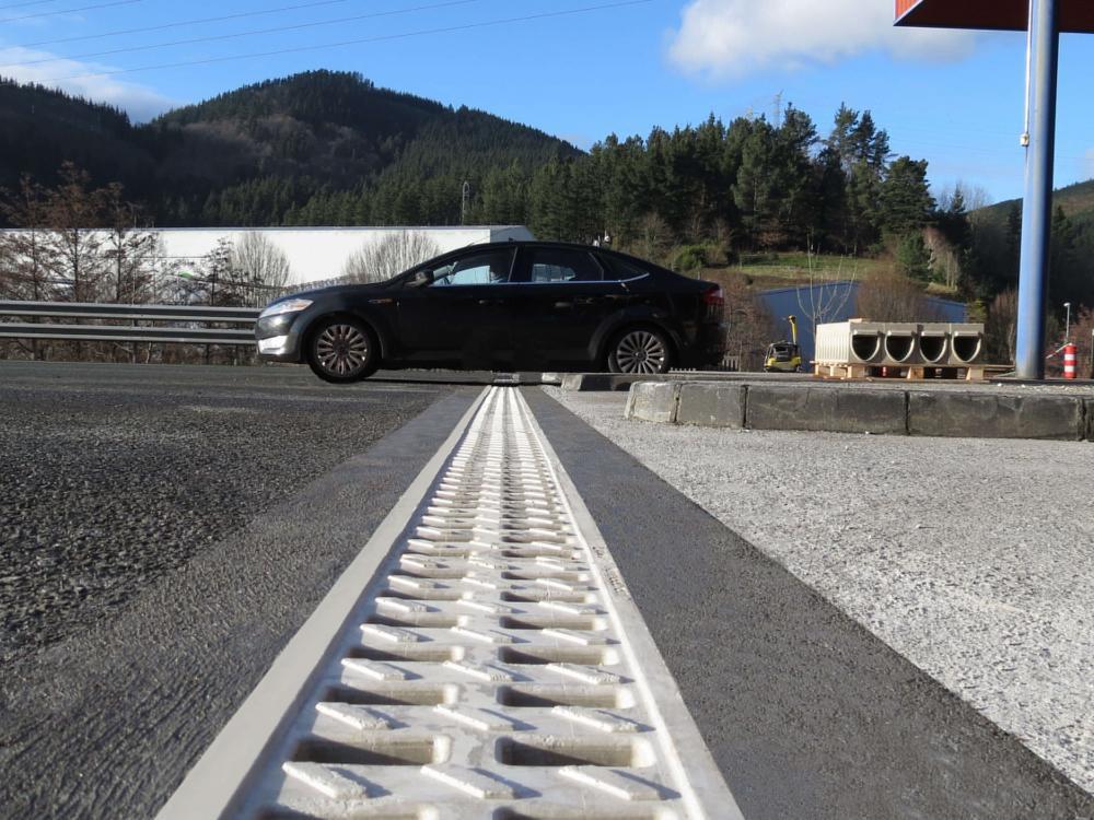 Canal KompaqDrain® en el peaje de la Autopista AP-1 de Arrasate/Mondragón