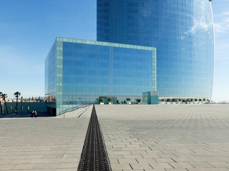 Canales de Drenaje ULMA en el Hotel Vela de Barcelona