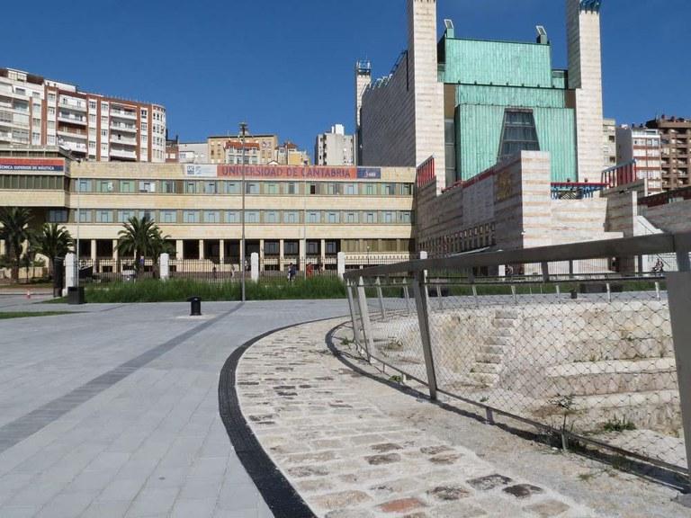 Canales de drenaje ULMA en el renovado DIQUE GAMAZO de Santander