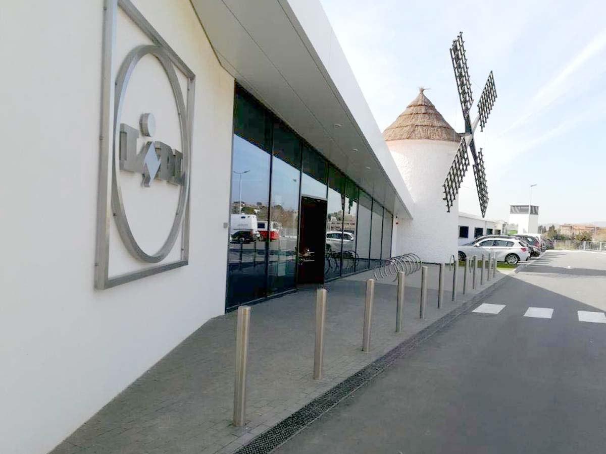 Canales de drenaje ULMA en la recién estrenada tienda de Lidl en Tres Molinos, Barcelona