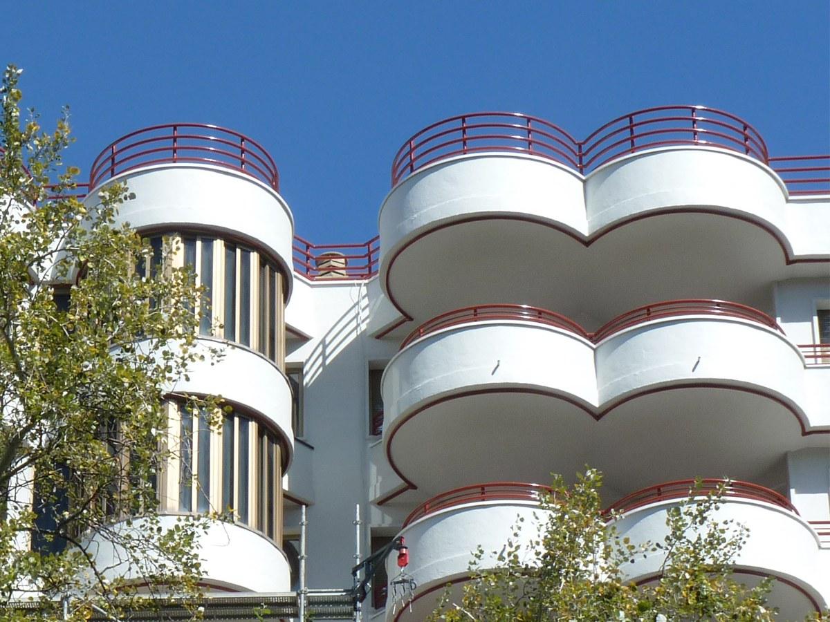 Albardilla con curvatura especial para una rehabilitación residencial en Zaragoza