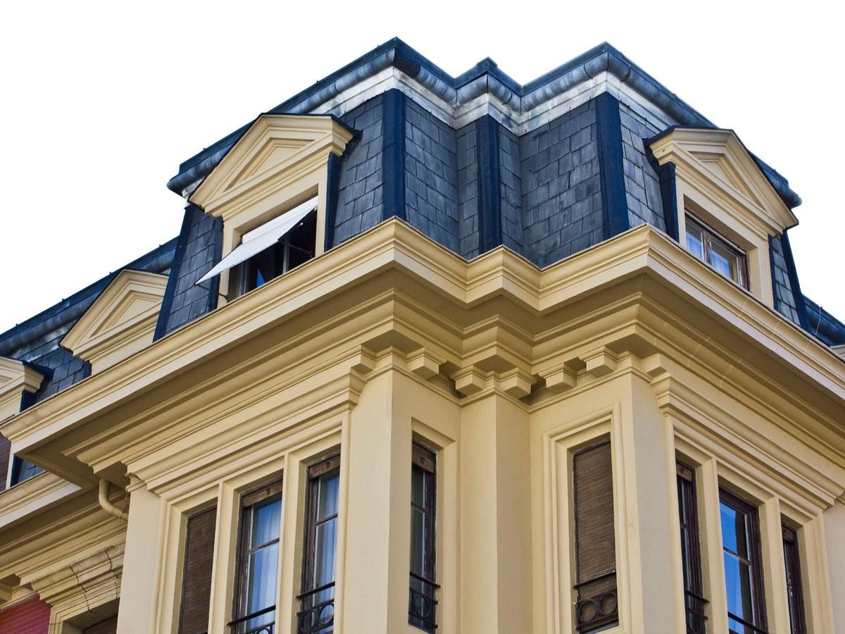Cornisa personalizada para rehabilitación de Villa palaciega