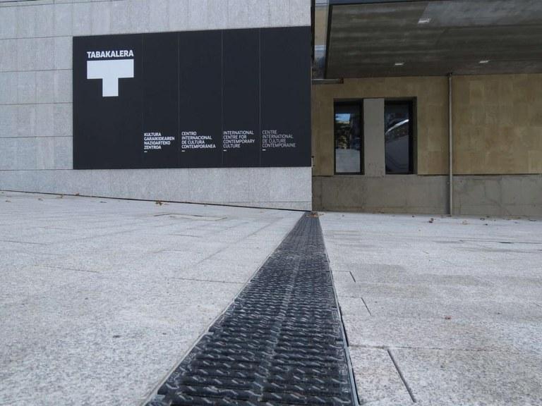 ULMA Drainatzeko kanalak Donostiako TABAKALERAn
