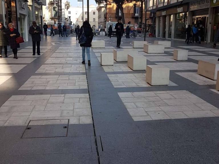 La ville de BARI, en Italie, choisit les systèmes de drainage linéaire ULMA