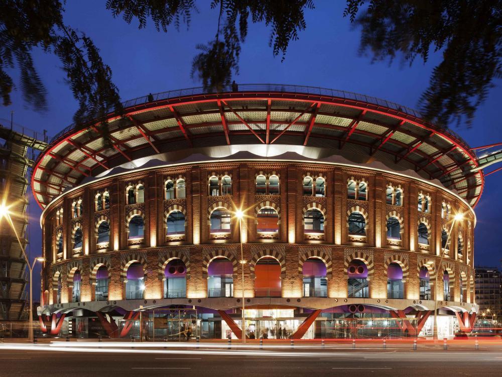 Canali ULMA presso il centro commerciale Las Arenas di Barcellona