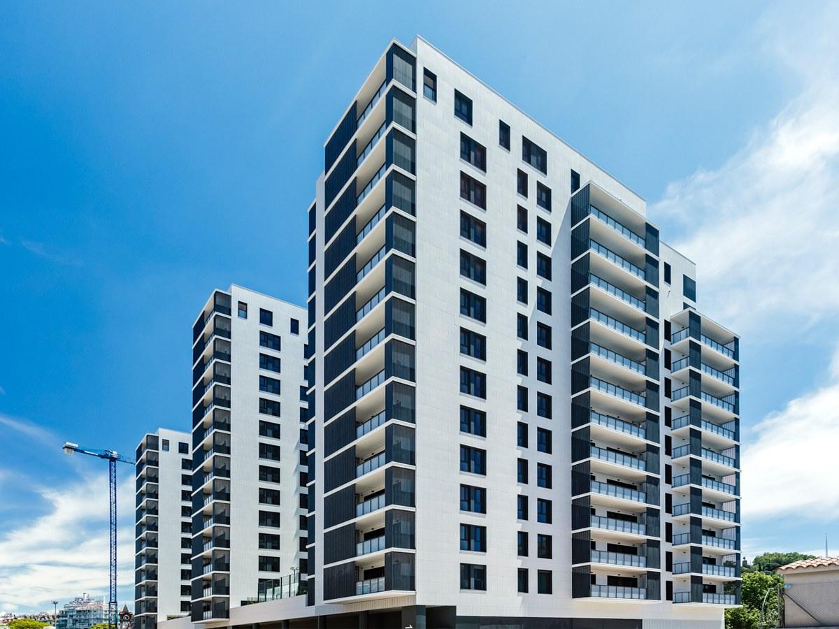 Edificio residenziale con facciata ventilata ULMA