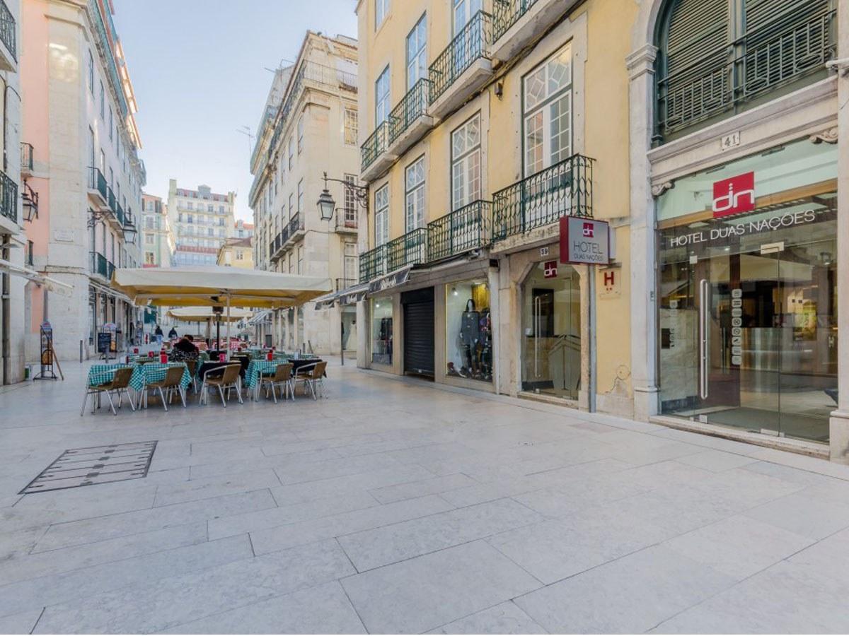 Drenagem ULMA  na rua Vitoria em Lisboa