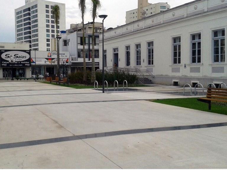 Praça Arno Bauer, Itajaí, SC