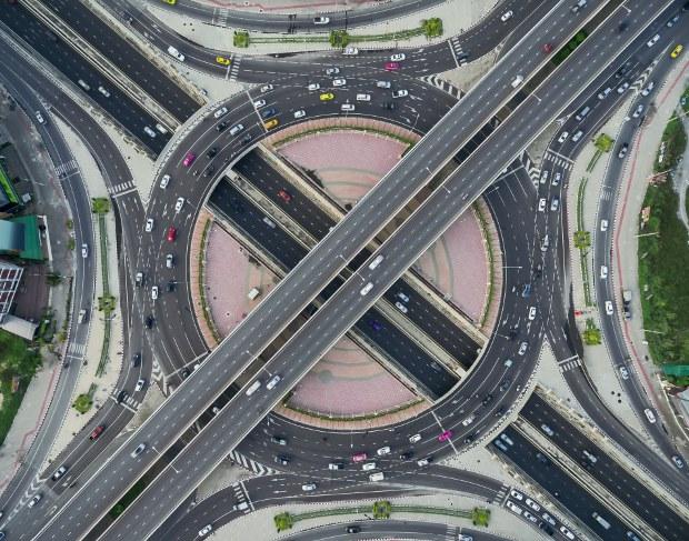 Estradas, autoestradas e pedágios
