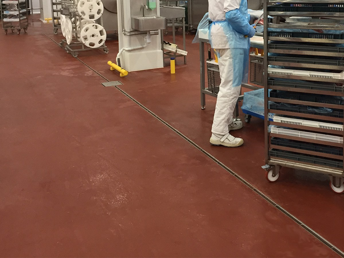 Drenagem Inoxidável ULMA na nova planta de Càrnia, no Mercabarna