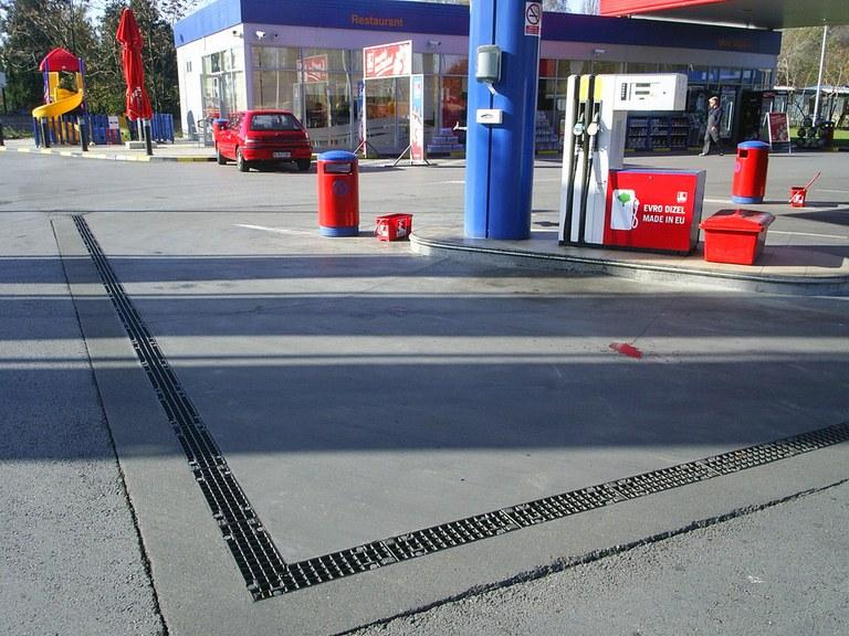 Posto de combustível em Belgrado- Sérvia