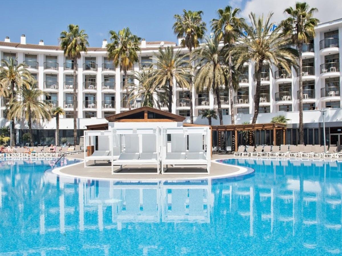 Capeamentos, peitoris e cobre-pilares específicos no Hotel Best Cambrils