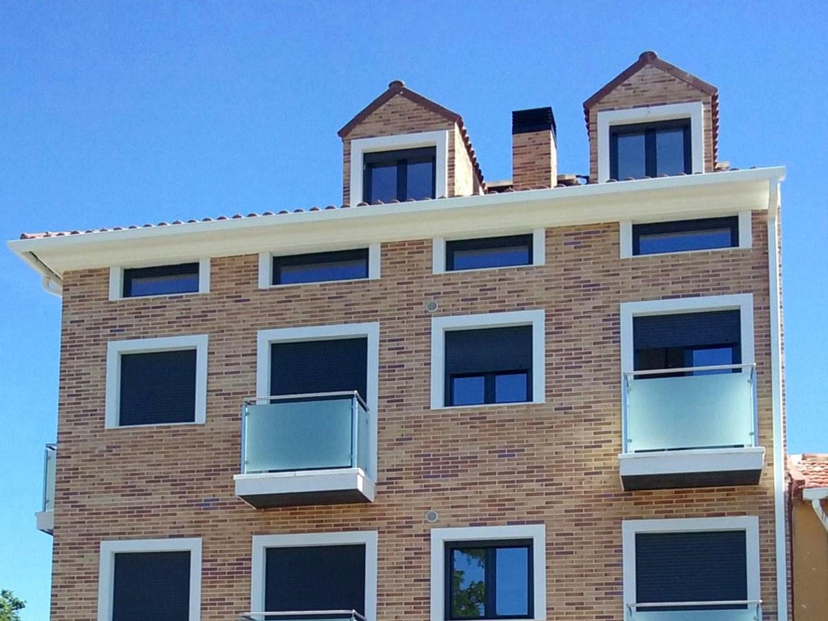 Peças pré-fabricadas ULMA para emoldurar janelas e varandas